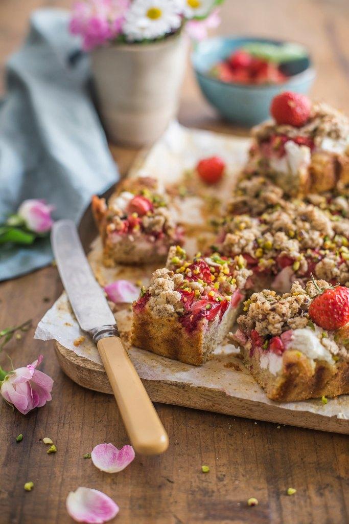 Crumble cake con ricotta e fragole - senza zuccheri aggiunti 2