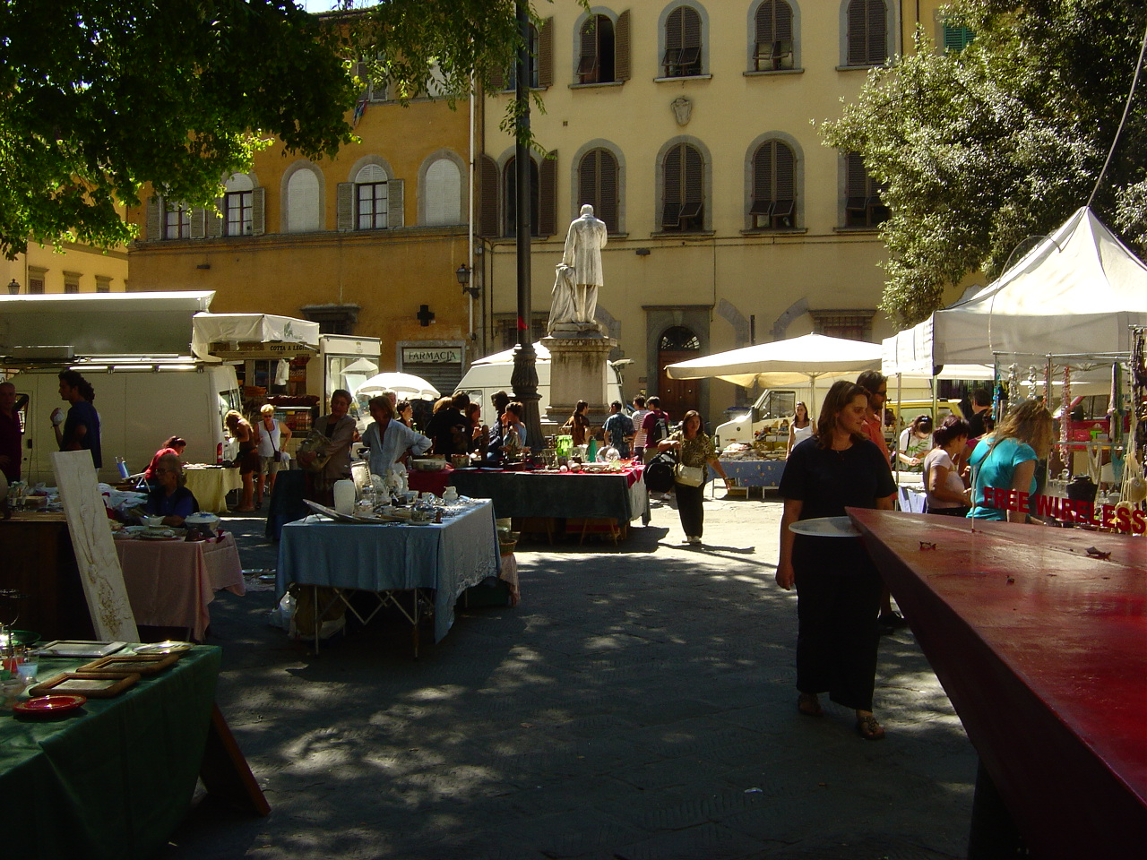 flea market at piazza santo spirito