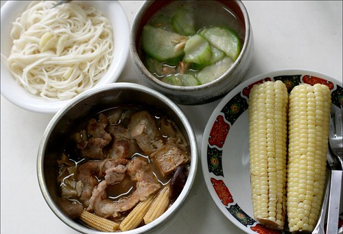 garlic noodles, spicy hotpot takeout, vegetables, corn