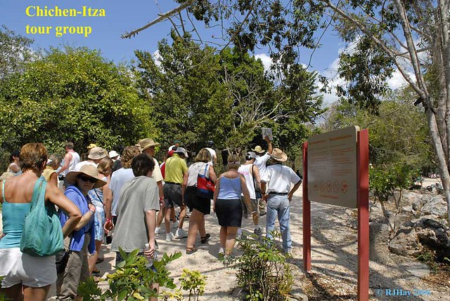 Tour group at Chichen-Itza