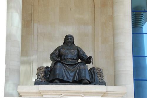 Mongolie.Oulan-Bator, place Soukhe-Bator;Statu...