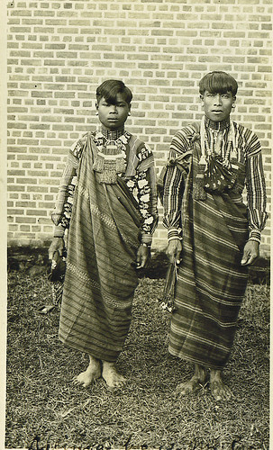 Philippines - men in traditional costume indigenous black white old Philippinen   Pinoy Filipino Pilipino Buhay  people pictures photos life , Filipinos, man, costume