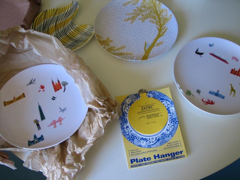Plate Hangers: Simple DIY