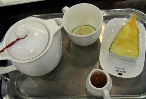 tea and cheesecake
