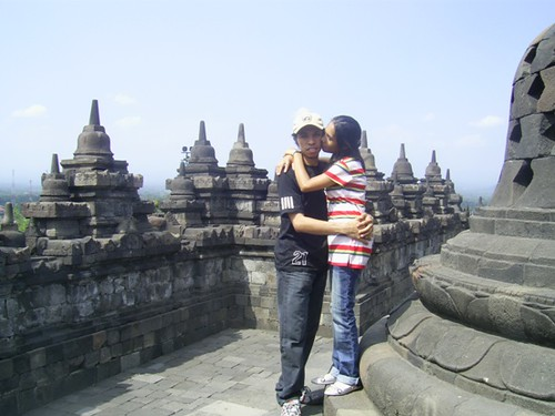 RT on Borobudur --Kiss