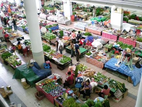 Sibu Ce</a>ntral Market - jungle produce section