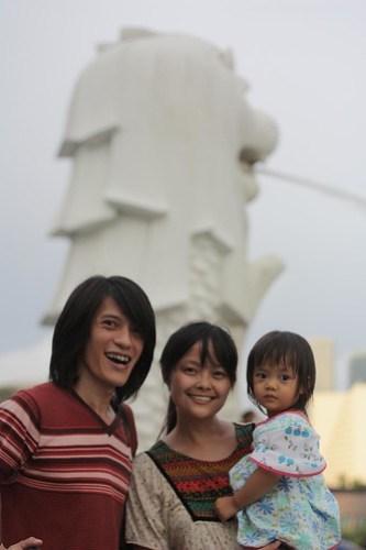 family portrait a la singapore