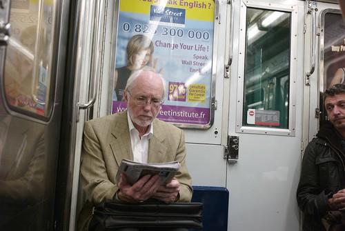 métro lecture epaule