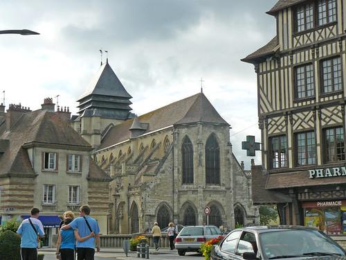 Eglise Saint-Michel à Pont-l'Evêque