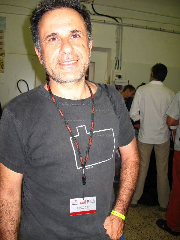 George Georgiou with Fotopub 2005 T-shirt