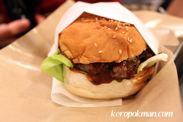 Black Pepper Beef Burger