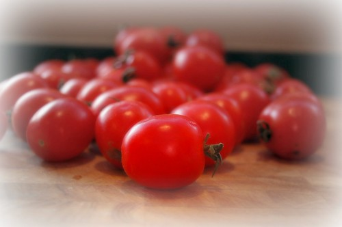 Roasted Cherry Tomatoes & Basil Over Spaghetti Rigati