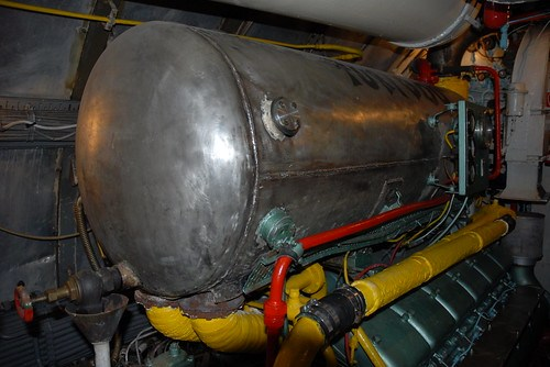 Serbatoio+carburante+del+motore+di+sinistra+%2F+Port+engine+tank