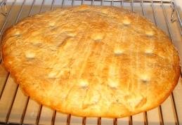 Focaccia di patate e salvia dorata