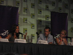 Sally Richardson, Colin Ferguson, and Jordan Hinson at Comic Con