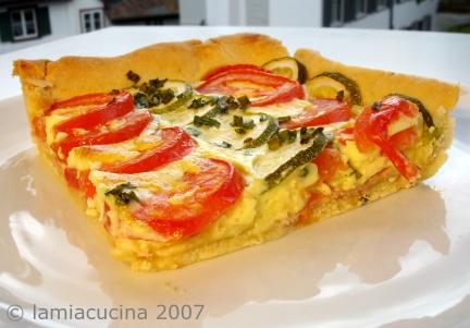 Tomaten-Zucchini-Wähe essbereit