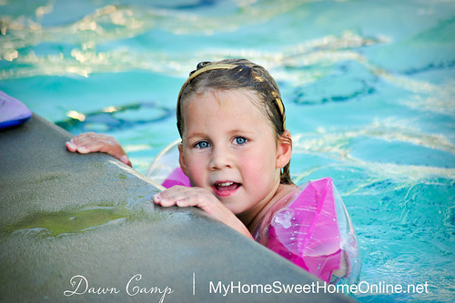100623_Lily5BirthdayPool_019