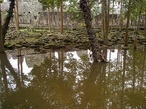 Día 22: Camboya (Angkor: Sra Sang, Banteay Kdei, Ta Prohm, Ta Keo, Ta Nei, Angkor Thom con Palacio Real y Bayon, etc).