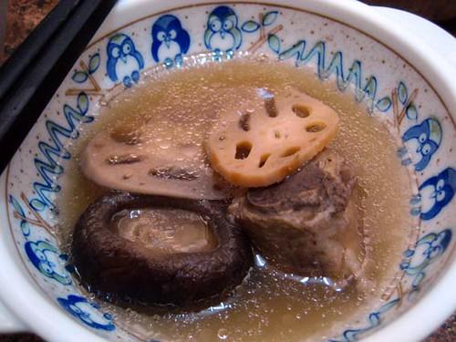 lotus root & mushroom 蓮藕香菇湯