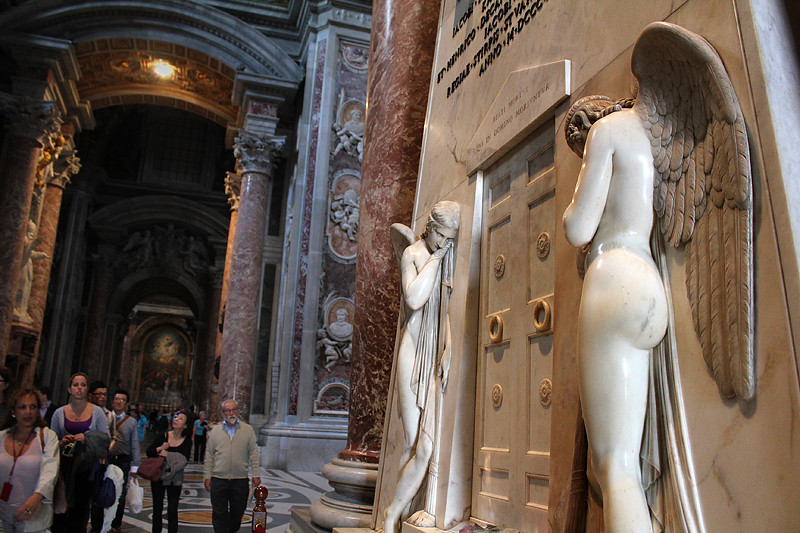 Weeping angels - St Peter's Basilica