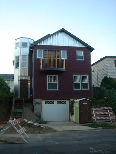 3061 SE Pine St, Portland, OR 97214