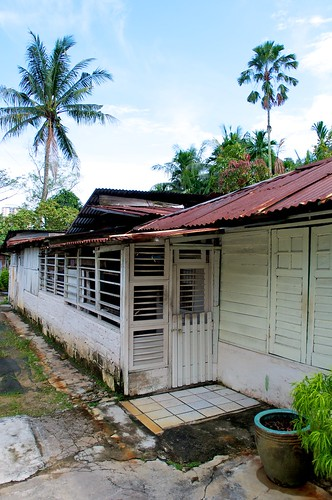 an honest to goodness kampung house!