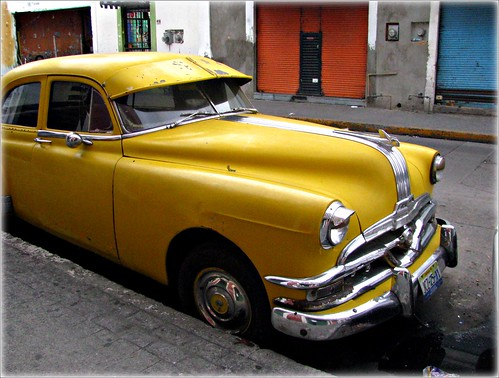 auto amarillo by Sangroncito