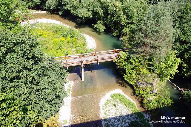 這是要進入舊城區的小河,看得出來斯洛維尼亞人不會對河岸做任何人工的開發,盡可能保持原有風貌。