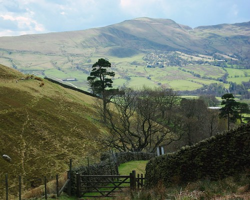 20100425-21_View across Edale to Mam Tor from Ollerbrook Clough by gary.hadden