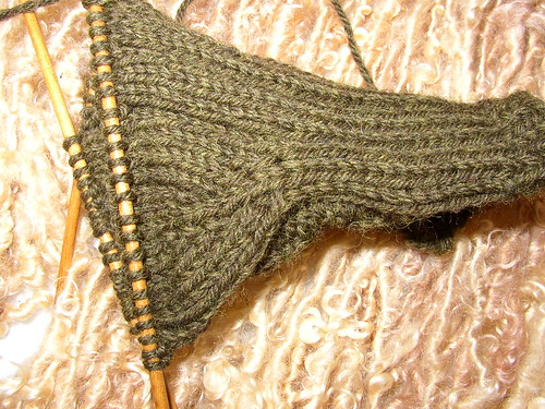 thumb gusset C mitts