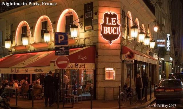 Nightime in Paris