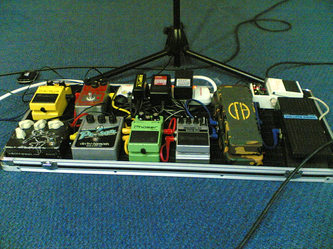 Terry's floorboard guitar equipments