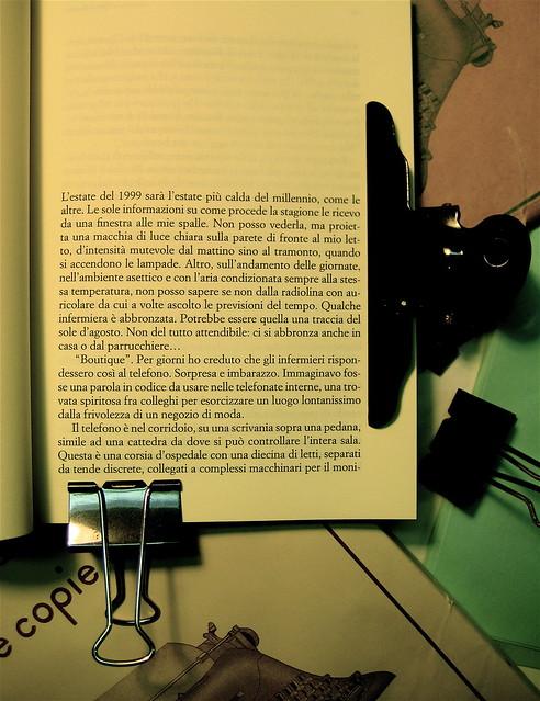 Gilberto Severini, A cosa servono gli amori infelici, Playground 2010, graphic designer Federico Borghi , foto di copertina di Stefania Notizia; incipit (part.), 1