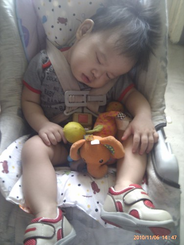 1st time asleep in carseat