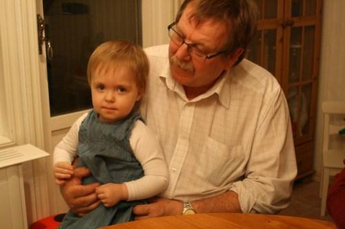 Ava och farfar