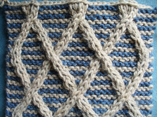 Lattice with Striped Background