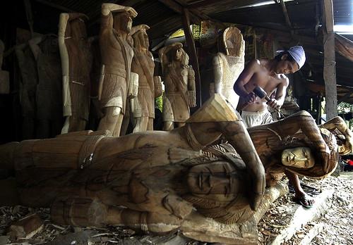 working woodcarving ifugao man shop rural alone solo lone handicraft philippines ifugao filipino pinoy pugo