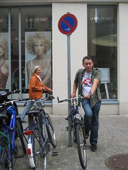 Sonntag Mike mit Fahrrad