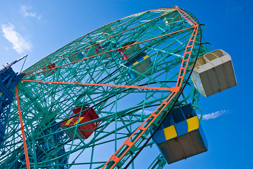 Denos Wonder Wheel in Coney Island. Photo © Barry Yanowitz via flickr