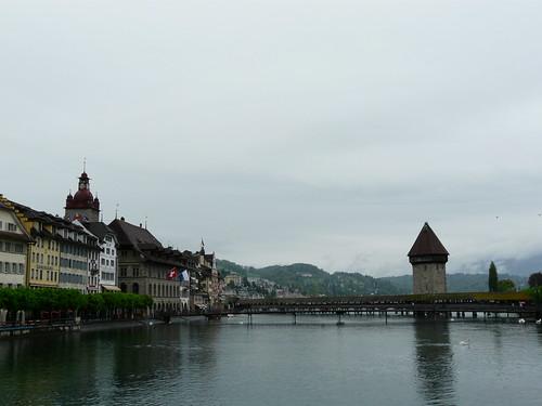 Vista del Kapellbrücke desde el otro lado