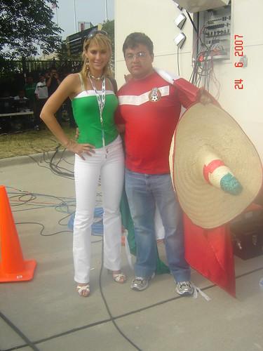 Ines Sainz y Mireya Grisales en el dia de prensa
