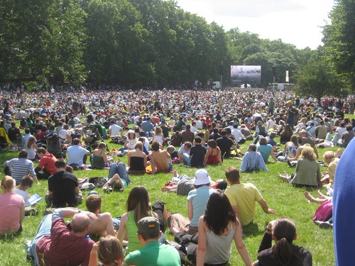 lovely day in St James' park - watching TdF