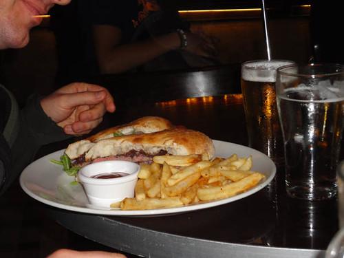 The Edinburgh Castle Hotel: Steak sandwich, beetroot, tomato, rocket, aioli & onion jam