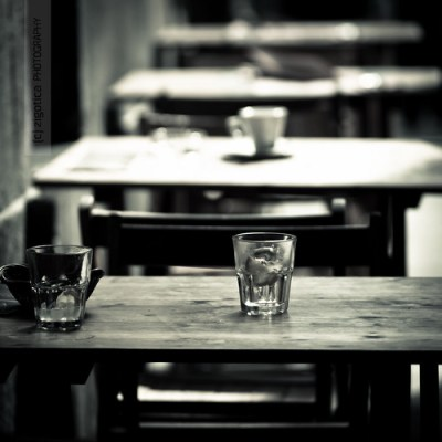 empty [glasses, cup, tables, seats]