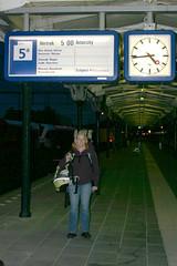 "op tijd bij de trein naar Schiphol • <a style=""font-size:0.8em;"" href=""http://www.flickr.com/photos/28673229@N05/4683501258/"" target=""_blank"">View on Flickr</a>"