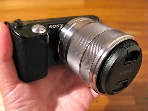 Unboxing Sony NEX-5