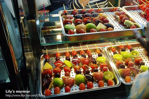 英專路上新開的水果糖葫蘆,還不錯吃!