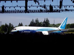 Boeing 787 Dreamliner Rollout 7/8