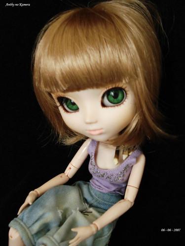 Beryl green eyes