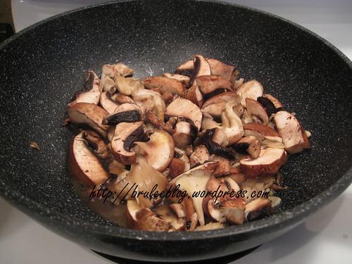 stir-fried mushrooms